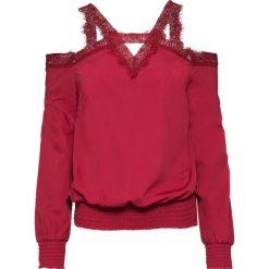Bluzka z koronką i wycięciami bonprix ciemnoczerwony. Czerwone bluzki asymetryczne bonprix, w koronkowe wzory, z koronki. Za 89,99 zł.