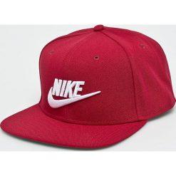 Nike Sportswear - Czapka. Czerwone czapki z daszkiem męskie Nike Sportswear. Za 99,90 zł.