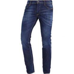 Le Temps Des Cerises Jeansy Slim fit blue. Niebieskie jeansy męskie Le Temps Des Cerises. W wyprzedaży za 359,25 zł.