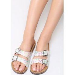 Różowe Klapki Mamma Mia!. Brązowe klapki damskie marki Born2be, z materiału, na obcasie. Za 69,99 zł.