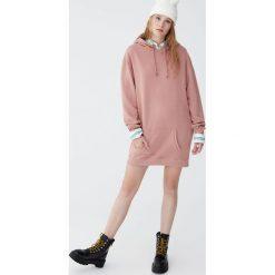 Bluza sukienka z kapturem. Czarne bluzy z kapturem damskie Pull&Bear. Za 79,90 zł.