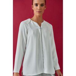 Simple - Bluzka. Szare bluzki wizytowe Simple, z poliesteru, eleganckie, z okrągłym kołnierzem. W wyprzedaży za 239,90 zł.