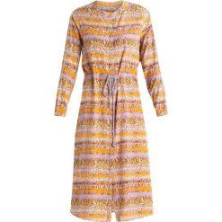 Rue de Femme TERESA DRESS Sukienka letnia light lillac. Fioletowe sukienki letnie marki Rue de Femme, m, z materiału. Za 589,00 zł.
