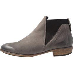 HUB KIM Ankle boot dark grey. Szare botki damskie na zamek HUB, z materiału. Za 549,00 zł.