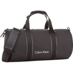 Torba CALVIN KLEIN BLACK LABEL - Blithe Cylinder Duff K50K503444 001. Czarne plecaki męskie marki Calvin Klein Black Label, z materiału. Za 599,00 zł.