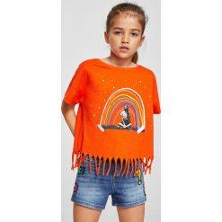 Mango Kids - Szorty dziecięce Lita 110-164 cm. Pomarańczowe szorty damskie z printem marki Mango Kids, z bawełny, casualowe. W wyprzedaży za 49,90 zł.