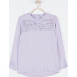 Koszulka. Fioletowe bluzki dziewczęce bawełniane marki bonprix, z nadrukiem. Za 49,90 zł.