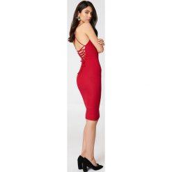 Sukienki hiszpanki: Rebecca Stella Sukienka ze sznurowaniem – Red