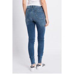 Pepe Jeans - Jeansy. Niebieskie jeansy damskie Pepe Jeans, z bawełny. W wyprzedaży za 219,90 zł.