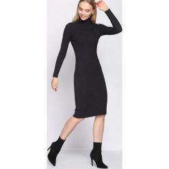 Szara Sukienka Rock and Roll. Szare długie sukienki Born2be, l, z dzianiny, rockowe, z golfem, dopasowane. Za 79,99 zł.