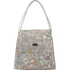 Torebki klasyczne damskie: Skórzana torebka w kolorze szarym ze wzorem – (S)23 x (W)25 x (G)13 cm