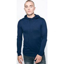 Guess Jeans - Sweter. Niebieskie swetry klasyczne męskie Guess Jeans, m, z aplikacjami, z bawełny, z kapturem. W wyprzedaży za 139,90 zł.