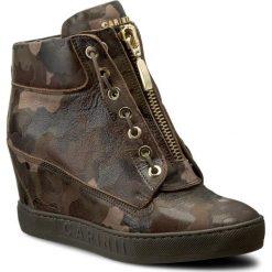 Sneakersy CARINII - B3924 F33-000-000-B88. Brązowe sneakersy damskie Carinii, z materiału. W wyprzedaży za 279,00 zł.