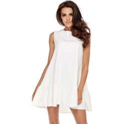 Sukienki: Biała Wyjściowa Trapezowa Sukienka z Falbanką