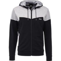 BOSS ATHLEISURE SAGGY Bluza rozpinana black. Czarne kardigany męskie BOSS Athleisure, m, z materiału. W wyprzedaży za 561,75 zł.
