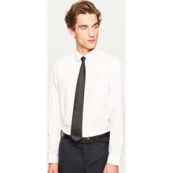 Koszula regular fit - Biały. Białe koszule męskie marki INESIS, m, z bawełny, z długim rękawem. Za 79,99 zł.