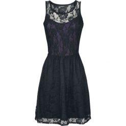 Gothicana by EMP Lady Jane Sukienka czarny/jasnofioletowy. Czarne sukienki koronkowe marki Gothicana by EMP, xl, w koronkowe wzory, z okrągłym kołnierzem, bez rękawów, proste. Za 144,90 zł.