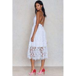 Odzież damska: NA-KD Boho Sukienka z ażurową koronką - White