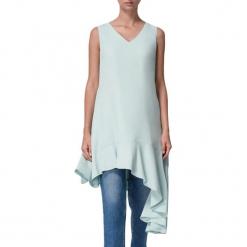 Sukienka w kolorze miętowym. Niebieskie sukienki asymetryczne marki BOHOBOCO, z asymetrycznym kołnierzem, midi. W wyprzedaży za 1069,95 zł.