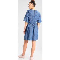 GStar DELINE SHIRT DRESS S/S Sukienka jeansowa lt wt tras denim. Niebieskie sukienki G-Star, s, z bawełny. W wyprzedaży za 375,20 zł.