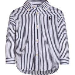 Polo Ralph Lauren BLAKE BABY Koszula navy/white. Niebieskie koszule chłopięce Polo Ralph Lauren, z bawełny, polo. Za 229,00 zł.
