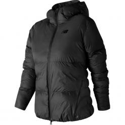New Balance WJ73540BK. Czarne kurtki sportowe damskie New Balance, xs, z materiału. W wyprzedaży za 399,99 zł.