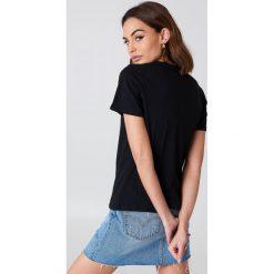 NA-KD Basic T-shirt basic - Black. Różowe t-shirty damskie marki NA-KD Basic, z bawełny. Za 52,95 zł.