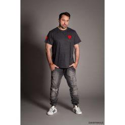 Jeansy męskie regular: męskie jeansy z dziurami