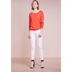 CLOSED BAKER Jeansy Slim Fit white. Białe jeansy damskie CLOSED, z bawełny. Za 709,00 zł.
