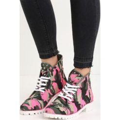 Fuksjowe Traperki Moro Rani. Czerwone buty zimowe damskie marki Reserved, na niskim obcasie. Za 39,99 zł.