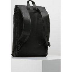 Plecaki męskie: Uri Minkoff STANTON Plecak black