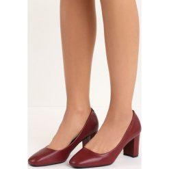 Bordowe Czółenka Countenance. Czerwone buty ślubne damskie marki Born2be, na słupku. Za 69,99 zł.