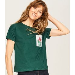 T-shirt z imitacją kieszonki - Turkusowy. Szare t-shirty damskie marki Reserved, l. Za 39,99 zł.