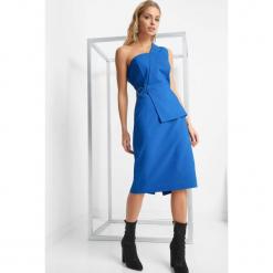 Asymetryczna sukienka. Niebieskie sukienki asymetryczne marki Orsay, z bawełny, wizytowe, z asymetrycznym kołnierzem. Za 159,99 zł.