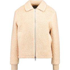 Brixtol Textiles EVE  Kurtka Bomber raw white. Białe bomberki damskie marki Brixtol Textiles, z materiału. W wyprzedaży za 545,35 zł.