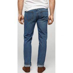 Mango Man - Jeansy. Niebieskie jeansy męskie relaxed fit marki Mango Man, z bawełny. W wyprzedaży za 99,90 zł.