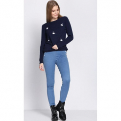 Niebieskie Jeansy Untroublesome. Niebieskie jeansy damskie Born2be. Za 69,99 zł.