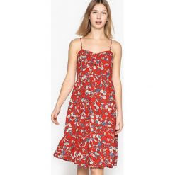 Sukienki hiszpanki: Krótka kwiecista sukienka na cienkich ramiączkach