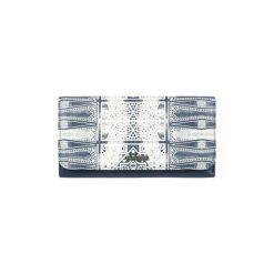 Portfele Roxy  /CARTERA ERJAA03309. Niebieskie portfele damskie Roxy. Za 162,30 zł.