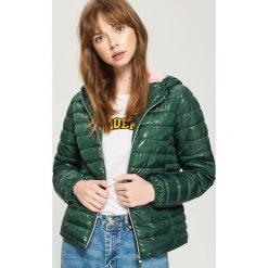 Pikowana kurtka z kapturem - Khaki. Brązowe kurtki damskie pikowane marki Sinsay, l, z kapturem. W wyprzedaży za 59,99 zł.