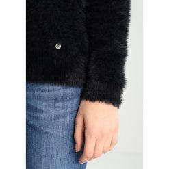 Swetry klasyczne damskie: Kaporal FIDJI Sweter black