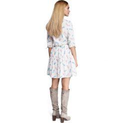 CAROLINE Sukienka boho z nadrukiem - model 1. Szare sukienki boho Moe, na imprezę, z nadrukiem, z tkaniny. Za 199,00 zł.