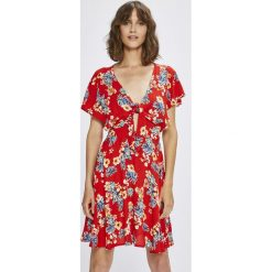 Answear - Sukienka Stripes Vibes. Szare sukienki dzianinowe ANSWEAR, na co dzień, l, casualowe, mini, rozkloszowane. W wyprzedaży za 69,90 zł.