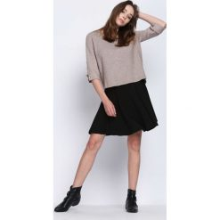 Ciemnobeżowy Sweter Never Easy. Szare swetry klasyczne damskie Born2be, l, z okrągłym kołnierzem. Za 74,99 zł.