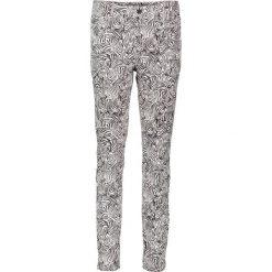 """Spodnie """"Antonia"""" - Skinny fit - w kolorze biało-czarnym. Rurki damskie Rosner, z aplikacjami. W wyprzedaży za 130,95 zł."""