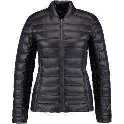 Armani Exchange Kurtka puchowa black. Czarne kurtki damskie puchowe marki Armani Exchange, l, z materiału, z kapturem. Za 669,00 zł.