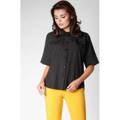 Czarna Oversizowa Koszula z Szerokim Rękawem do Łokcia. Czarne koszule damskie marki Molly.pl, l, casualowe, z dekoltem na plecach, z krótkim rękawem. W wyprzedaży za 119,88 zł.