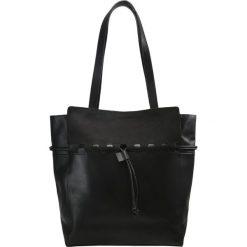 Mint&berry Torba na zakupy black. Czarne torebki klasyczne damskie mint&berry. W wyprzedaży za 303,20 zł.