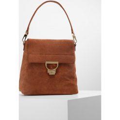 Coccinelle ARLETTIS Plecak cognac. Brązowe torebki klasyczne damskie Coccinelle. W wyprzedaży za 989,40 zł.