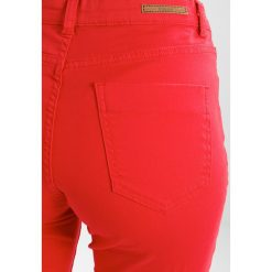 Rurki damskie: b.young LOLA LYKKE  Jeans Skinny Fit tomato red